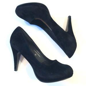 Modesta Black Aston Faux Suede Heels 10 NWOT